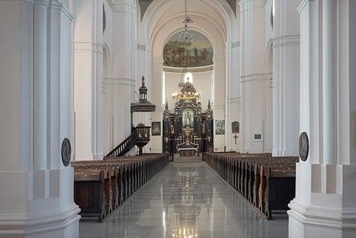 Plungės bažnyčia 04a.jpg